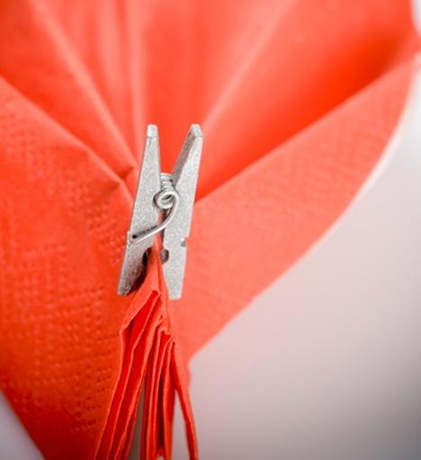 Bedwelming D.I.Y.! Zelf bruiloft decoratie maken | Weddingdeco.nl #IT26