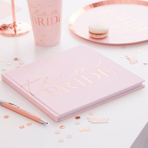 Gastenboek velvet roze Team Bride Blush Hen Ginger Ray