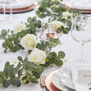 Slinger Eucalyptus en Rozen Botanical Wedding Ginger Ray