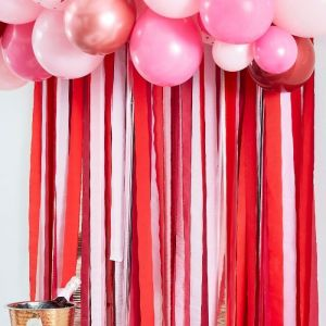 Streamer backdrop Pink & Red Hearts Ginger Ray