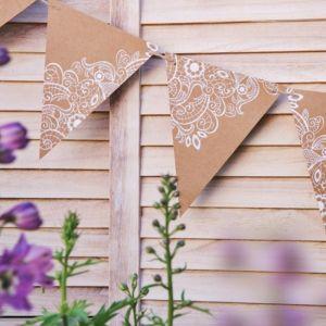 Slinger vlaggen kraft met bloemen