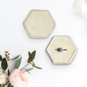 Velvet ringdoosje hexagon Champagne Forever Box