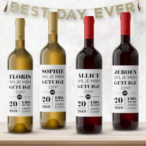 Wijnfleslabel modern typografisch  getuigen vragen (4st)