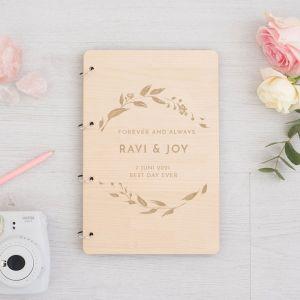 Houten gastenboek magnolia tak