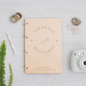 Houten gastenboek roos