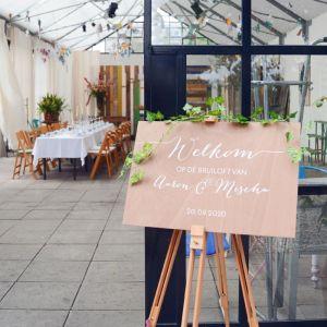 Gepersonaliseerd houten welkomstbord bruiloft