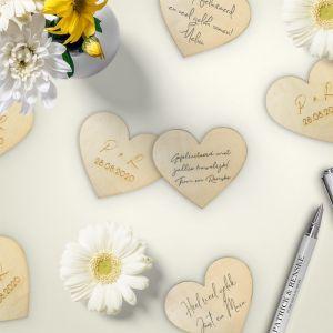 Houten hartje met initialen kalligrafie