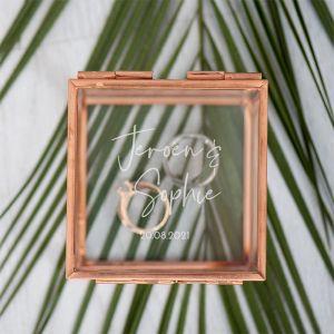 Ringdoosje glas vierkant modern met namen