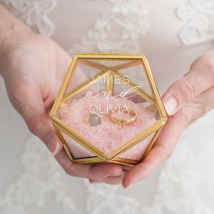 Ringdoosje glas geometrisch classy met namen