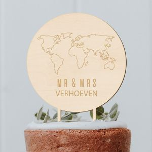 Taarttopper met wereldkaart Mr & Mrs met achternaam