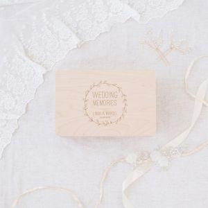 Wedding memory box hout met krans en namen