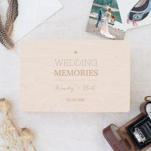 Houten wedding memorybox lovely lettertypes