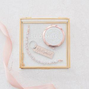 Glazen bewaardoosje goud bruidsmeisje met datum en naam