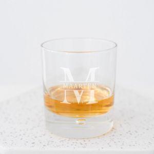 Whiskeyglas met initiaal en naam