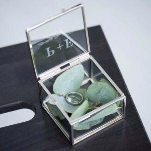Ringdoosje glas vierkant takje met intialen