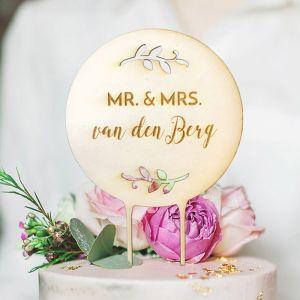 Houten taarttopper takjes Mr & Mrs achternaam