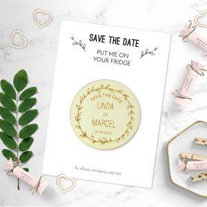 Houten Save the date magneet rond met krans