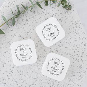 vierkant gepersonaliseerd zeepje bruiloft bedankje met krans en namen