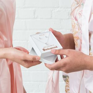 Ketting en oorbellen kadoset Bridesmaid gepersonaliseerd