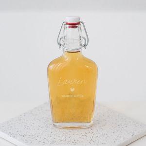 Glazen fles met beugel naam met kroontje gepersonaliseerd