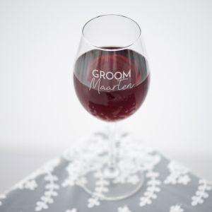 Wijnglas graveren bride and groom met naam
