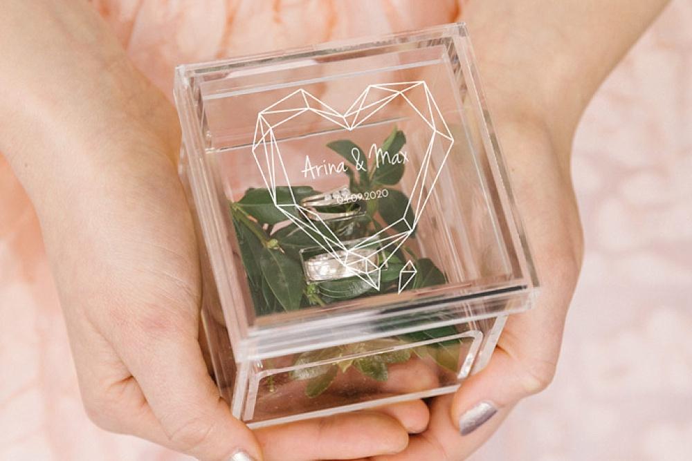 weddingdeco, trouwhuisstijl geometric floral, acryl ringdoosje