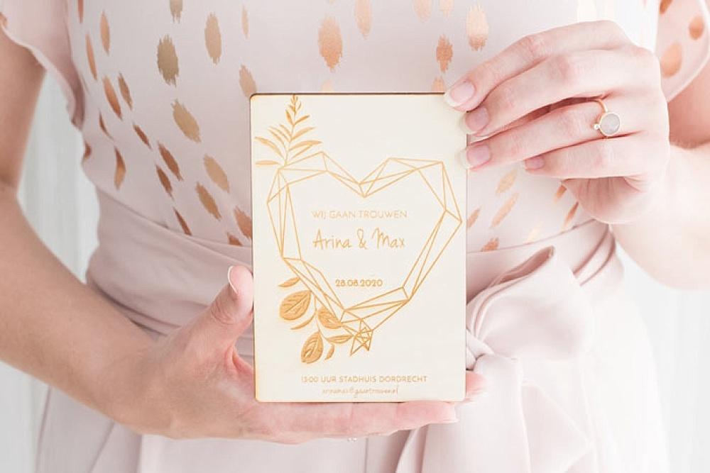 weddingdeco, trouwhuisstijl geometric floral. houten trouwkaart